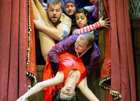The Play That Goes Wrong - a sunday matinee after a nice vegan lunch in theatreland