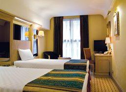Thistle Westminster Hotel Bedroom