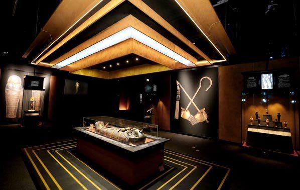 Tutankhamun exhibition in London